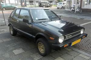 In Het Wild  Daihatsu Charade  G10  1979