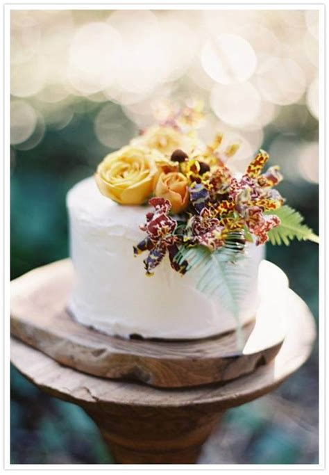 tier fall wedding cake