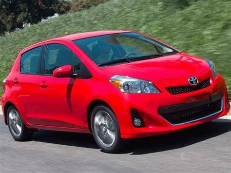toyota yaris le hatchback  pricing kelley