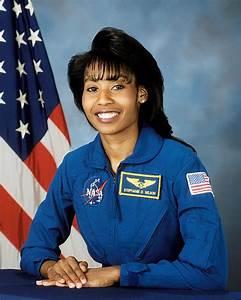 African American Female Astronauts | RONNIEROCKET.COM