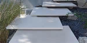 freischwebende treppe metten stein design blockstufen