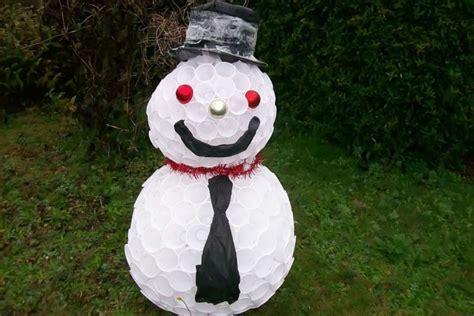 Come Fare Un Pupazzo Di Neve Con Bicchieri Di Plastica by Pupazzo Di Neve Fai Da Te Con Bicchieri Di Riciclo Donnad