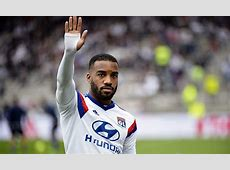 Arsenal make new offer for Lacazette