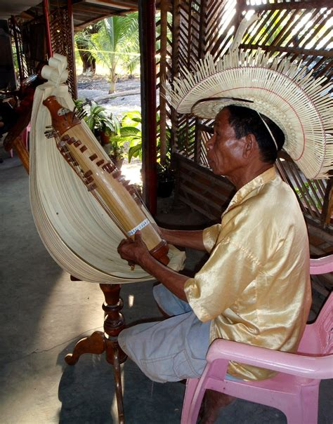 Ciri yang paling mendasar yang membedakan alat musik. 8 Alat Musik Tradisional Indonesia yang Mendunia | Mediapenulis.com