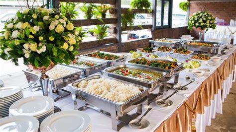savvy tips  planning  wedding   budget