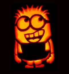 Minions Carved Into Pumpkins by 1000 Ideas About Minion Pumpkin Stencil On Pinterest