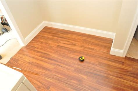install  floating laminate floor  project closer