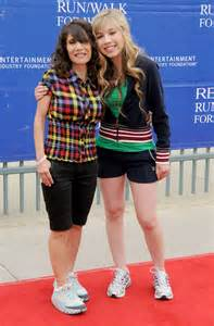 Jennette McCurdy Mother
