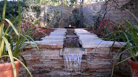 Modern Small Kitchen Ideas - 20 water feature designs for soft touch in your garden home design lover