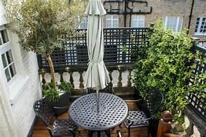 Sonnenschirm Kleiner Balkon : coole modelle vom sonnenschirm f r balkon ~ Michelbontemps.com Haus und Dekorationen