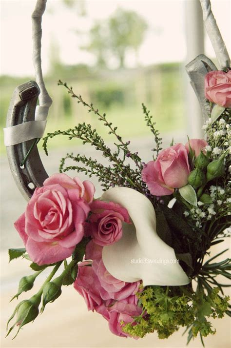 images  melbourne cup horse racing flowers