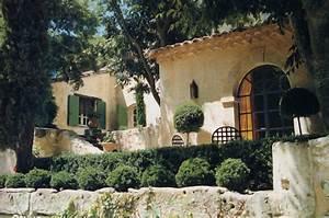 Un Mas En Provence : un mas dans la garrigue maison saint r my de provence ~ Farleysfitness.com Idées de Décoration