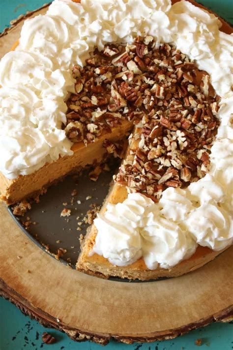 Feb 04, 2019 · *this recipe was originally published 11/08/2014. Our Copycat Cheesecake Factory Pumpkin Cheesecake recipe is perfect for Th… | Pumpkin cheesecake ...