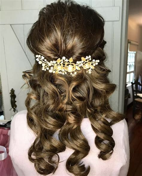 LatestHairstylePedia com: Long Hairstyles for Older Women