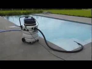 Aspirateur De Piscine Electrique : demonstration aspirateur piscine dakota youtube ~ Premium-room.com Idées de Décoration