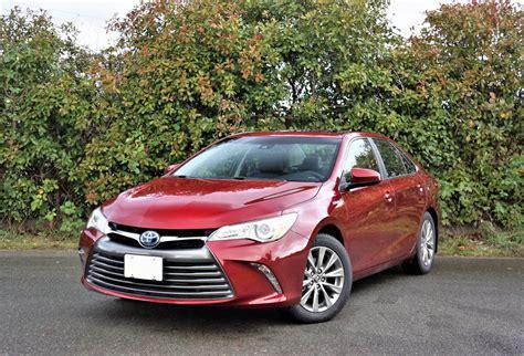 2017 Toyota Camry Hybrid XLE | The Car Magazine