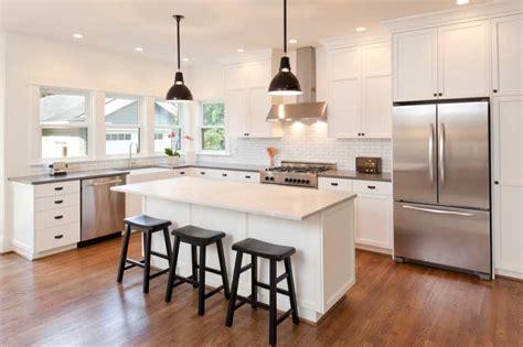 faire une cuisine sur mesure cuisine sur mesure bien choisir coûts matériaux