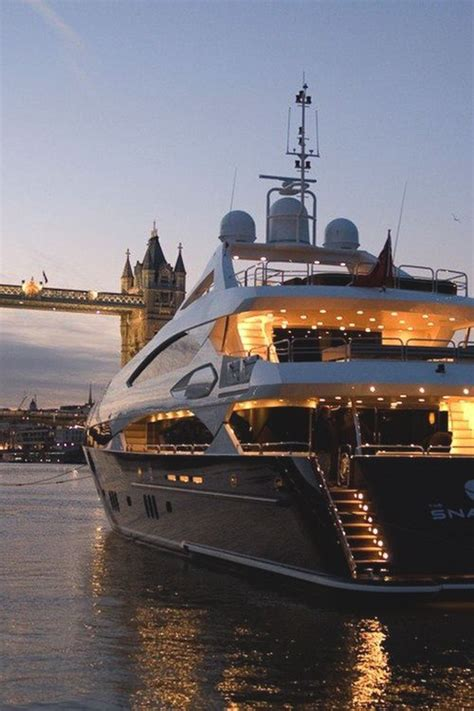Luxury Boats by 25 Best Luxury Yachts Ideas On Yachts Yachts