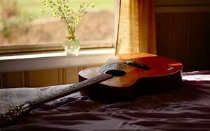 Bedroom In Guitar 4K Widescreen Wallpaper - HD Wallpapers