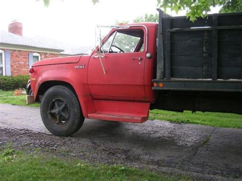 sell   dodge  stake bed truck  louisville