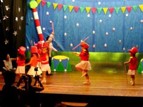 bastoneras en el circo