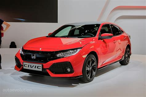 2017 Honda Civic Hatchback Looks Like A Race Car In Paris