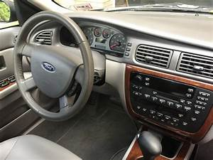 2004 Ford Taurus - Interior Pictures