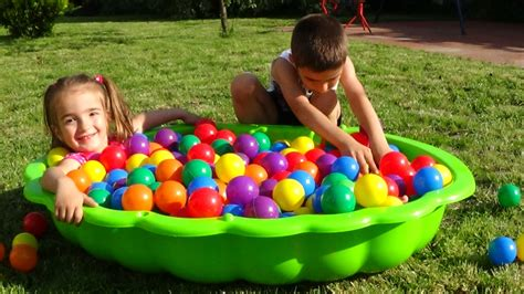 For Toddlers by Learn Colors For Children Toddlers Playground