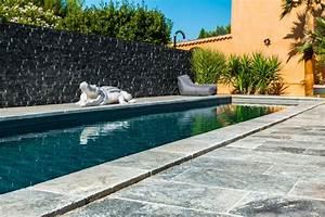 plage et margelles piscine quels materiaux choisir With pierre naturelle pour piscine