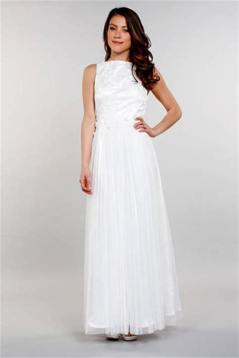 robe de mariée blanche et robe fluide en tulle et dentelle blanche laventura du 36