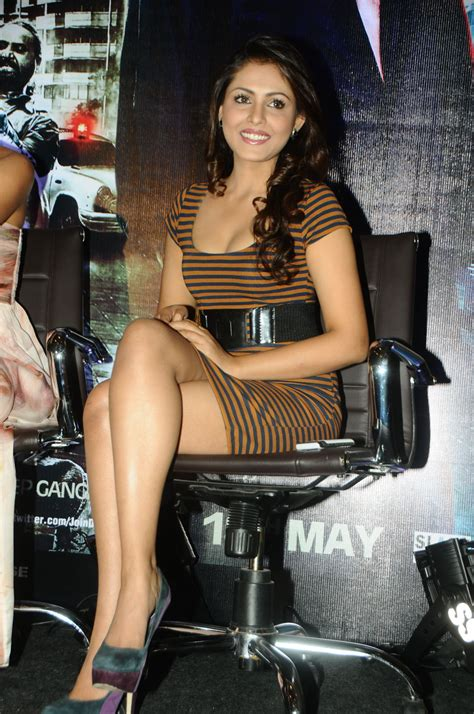 High Quality Bollywood Celebrity Pictures Madhu Shalini