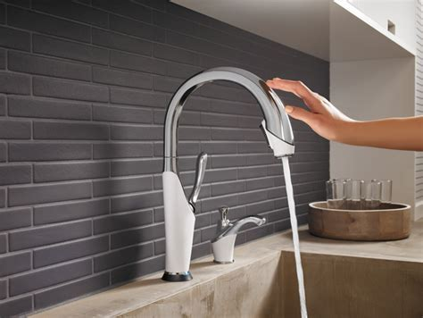 Soap dispenser : RP64473PCMW : Vuelo® : Kitchen : Brizo