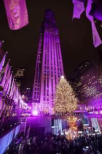 Guy Lights Sprucing Up Nyc Rockefeller Center Lights Christmas Tree