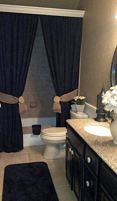 What Color Shower Curtain For A Small Bathroom by Best 25 Small Bathroom Decorating Ideas On