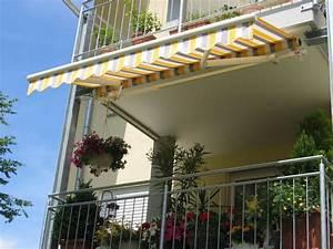 Balkonmarkisen als wetter und sichtschutz 45 ideen for Markise balkon mit schimmel bekämpfen tapete