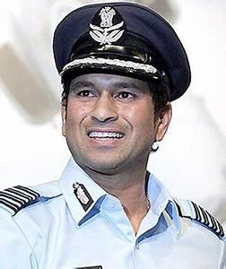 Tendulkar attends Air Force Day celebrations
