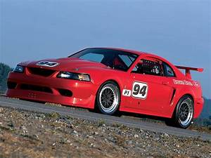Ford Mustang Cobra : infographic shows ford mustang horsepower through the years ~ Medecine-chirurgie-esthetiques.com Avis de Voitures