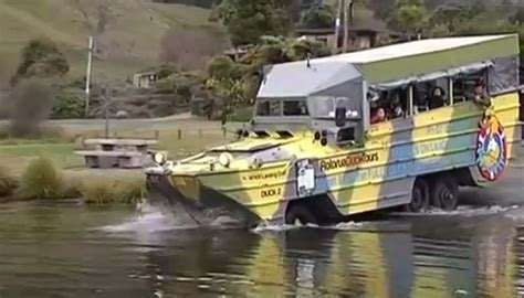 Duck Boat Tours Tragedy by Kiwi Duck Boat Operator Says Missouri Tragedy Wouldn T