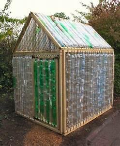 Kleines Gewächshaus Selber Bauen : kleines gew chshaus selber bauen mini treibhaus aus plastikflaschen garten pinterest ~ Markanthonyermac.com Haus und Dekorationen