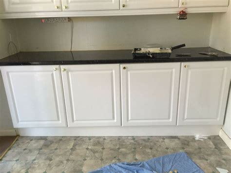 used kitchen cabinet doors for sale 3 standard gloss white slightly used kitchen cabinet doors