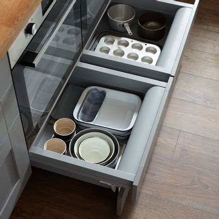 Built Under Oven Housing Storage Drawer   Howdens Joinery