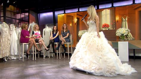 How To Sell Your Wedding Dress Online For Cash
