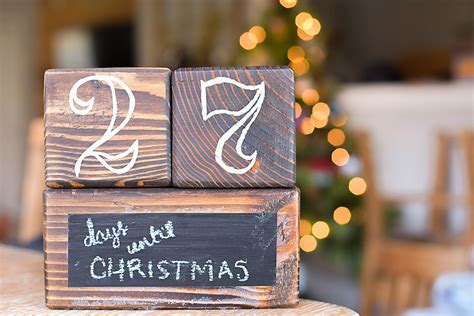 diy christmas countdown blocks  handcrafted life