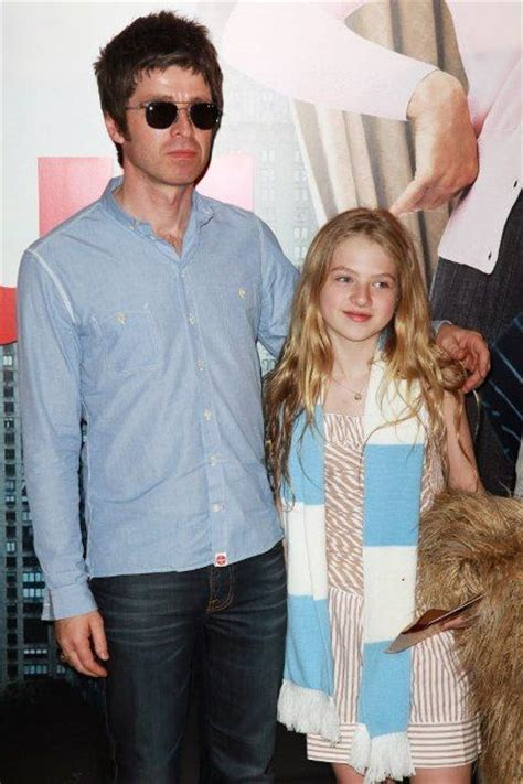 Veja mais ideias sobre noel gallagher, my idol, rádio rock. 44 best images about Gallagher Family on Pinterest ...