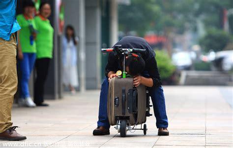 la valise  roulettes scooter electrique profession voyages