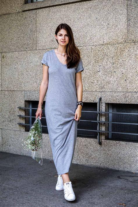 grey maxi dress  white sneakers