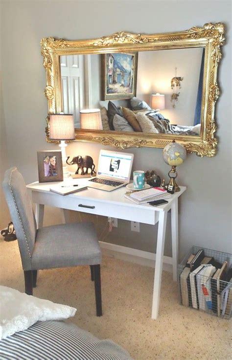 Bedroom Decor On by Gold Bedroom Decorating Ideas Furnitureteams
