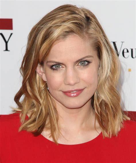 anna chlumsky hairstyles hair cuts  colors