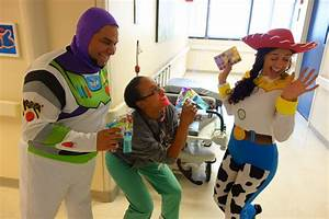 Buzz Lightyear and Jessie made some new friends at Holtz ...