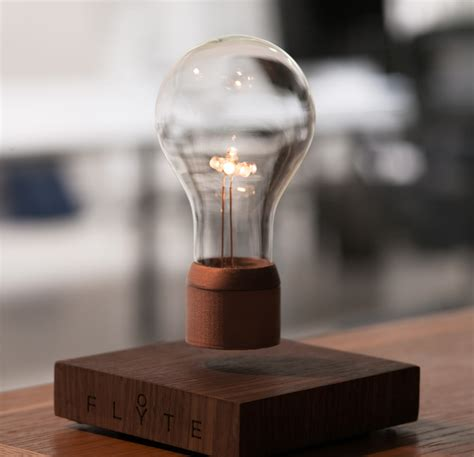 floating light bulb flyte is a lightbulb that levitates and it s cool hongkiat